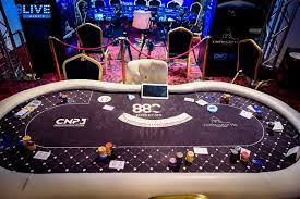 5 PROVIDEWISKS TO CONSIDER WHEN BUYING A POKER TABLE